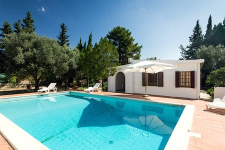 casa di campagna con piscina+tennis - Quartucciu