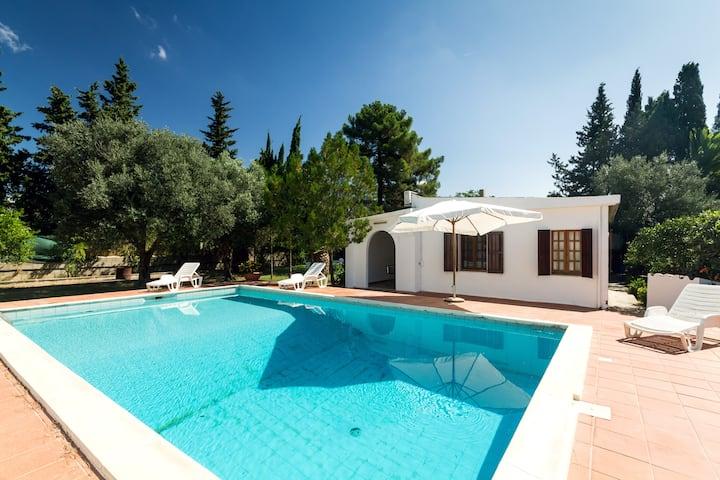 casa di campagna con piscina+tennis