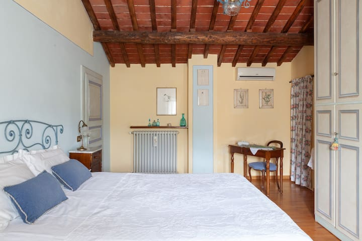 Your home away from home between Lucca-Florence