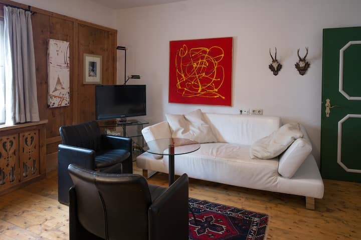 Tyrolean apartment for 4-5 pers with swimming pool
