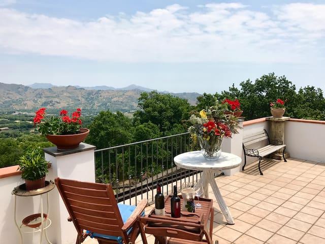 Chalet Etna Wine Suite