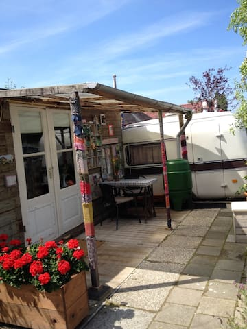 Caravan retro, Bern & Breakfast - Amsterdam - Bed & Breakfast