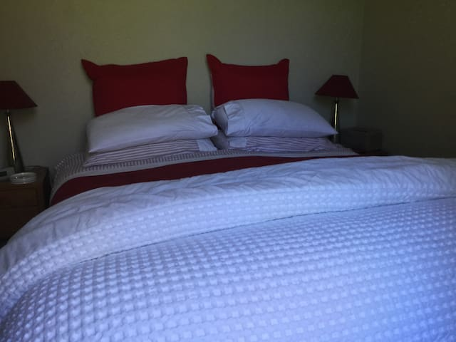 Cosy bedding with electric blankets on all beds