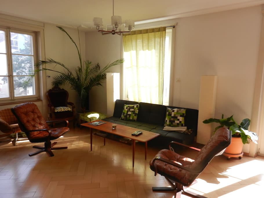 Private room in the center of Biel