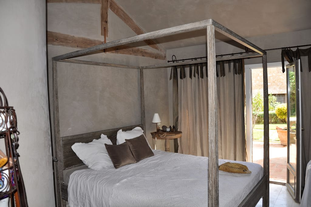 Creme Room: En-suite bathroom and kitchenette; TV; private terrace.
