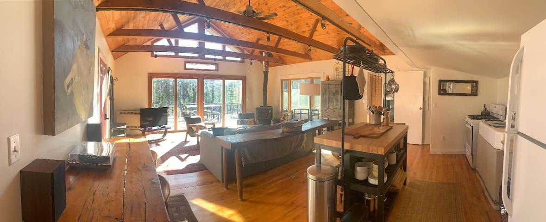 Private Cabin, Wood Stove Near Ashokan Reservoir, 35 min to Belleayre Mtn