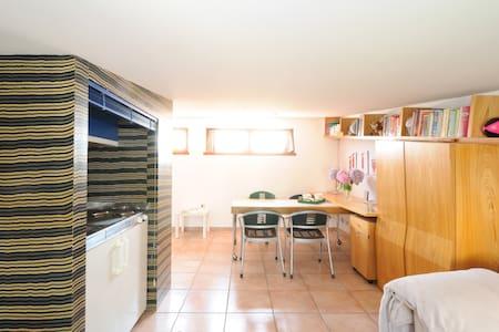 BETWEEN MILAN & COMO, IN BRIANZA - Apartment