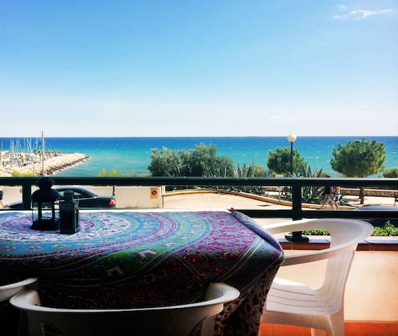 first line front of beach Balmins - Sitges - Appartement