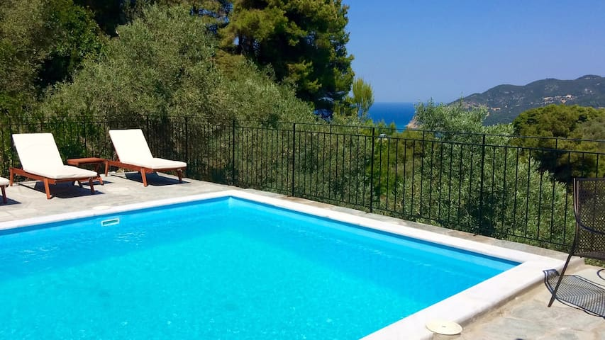 Villa Pinot, sea view, tranquil & private pool - Skopelos - Villa