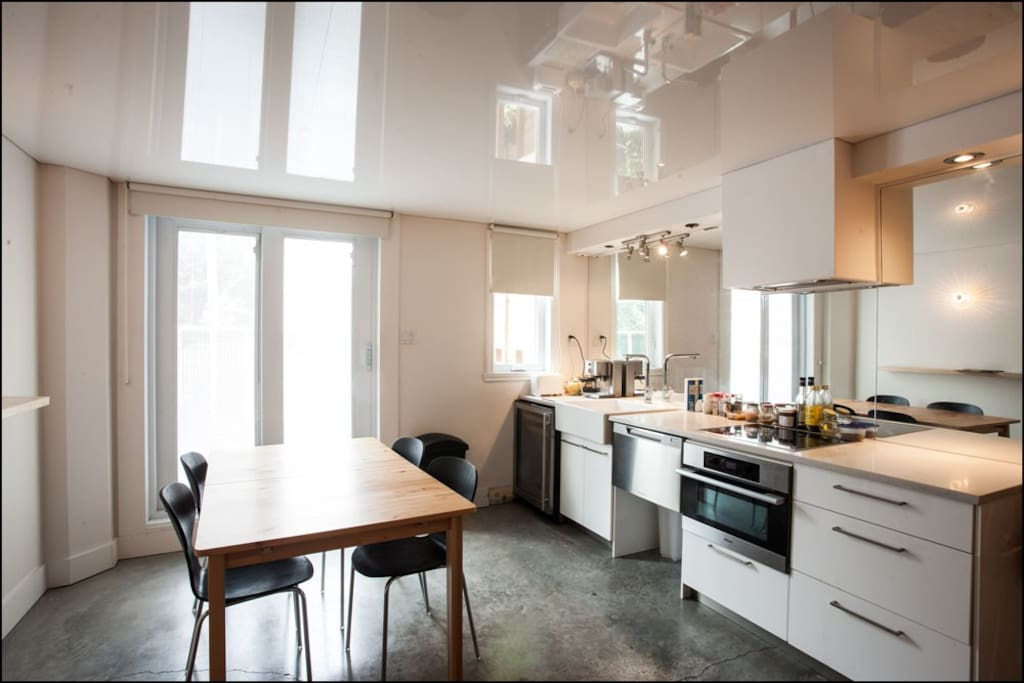 Compact and efficient Kitchen with Dishwasher