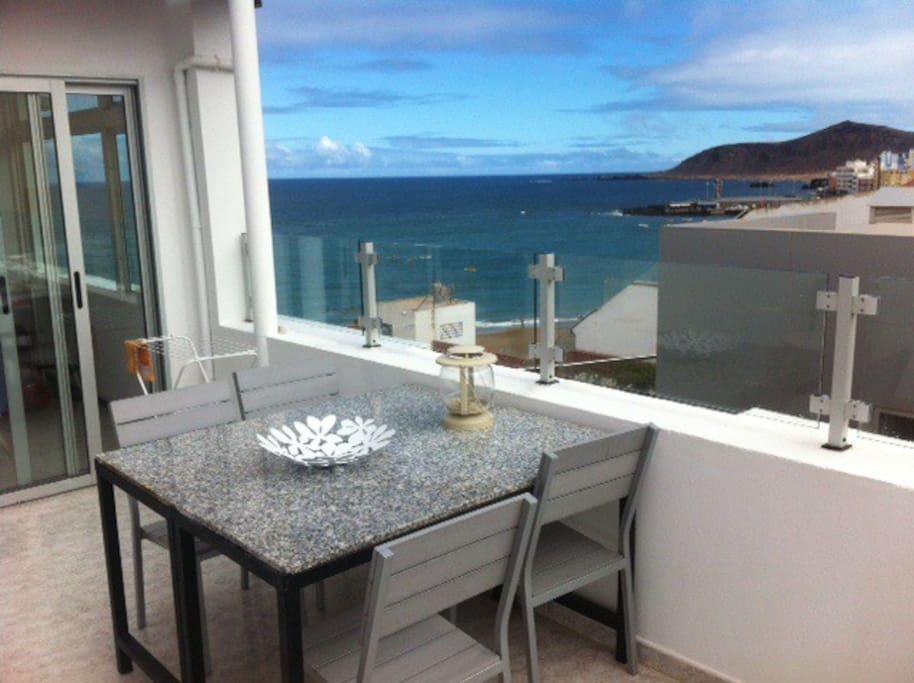 penthouse with sea view terrace wohnungen zur miete in las palmas de gran canaria kanarische. Black Bedroom Furniture Sets. Home Design Ideas