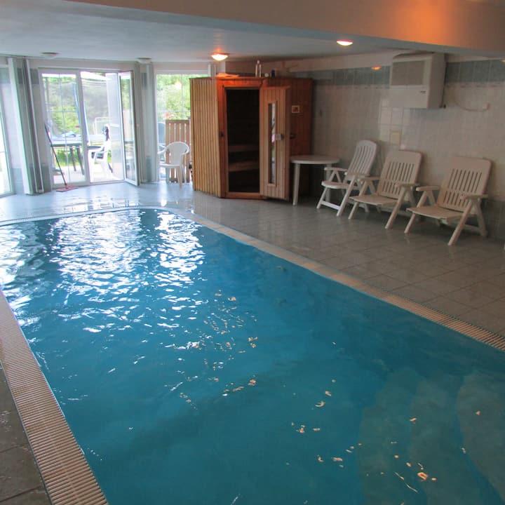 Relax Villa at Prague,indoor pool,sauna,bar,grill,