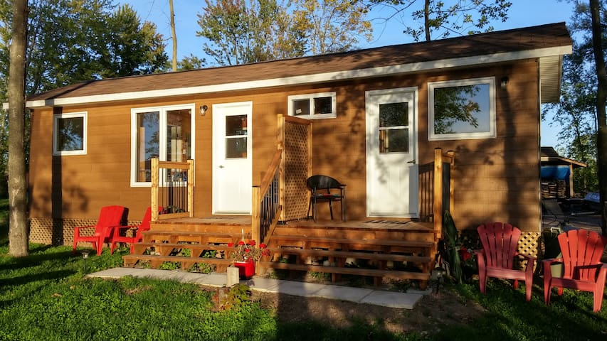 Camping Riverbay Cabin Unit #2