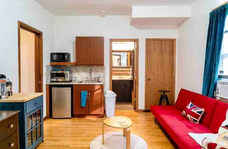 Uptown Studio plus! Perfect extended stay