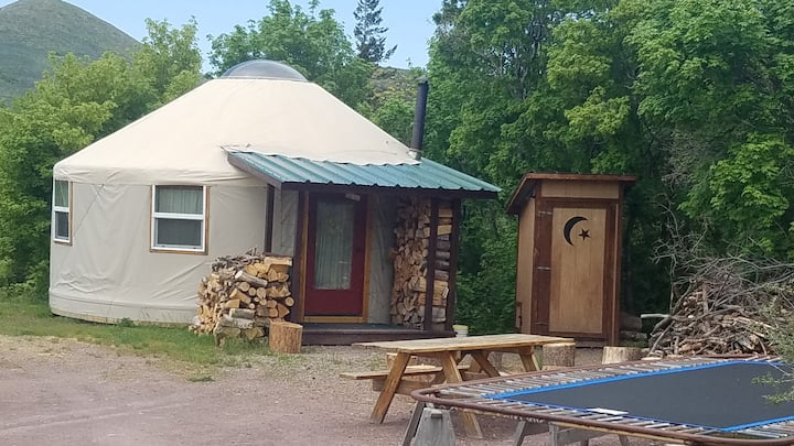 CARIBOU YURT- An Adventure in B&B!