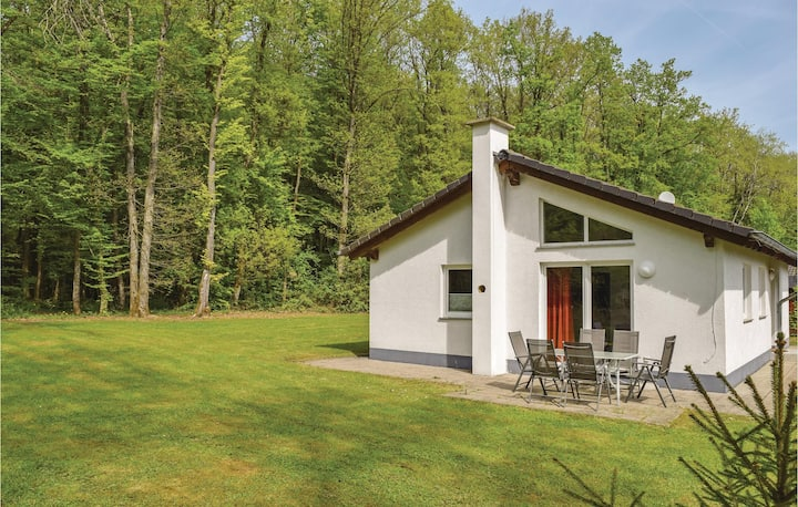 Amazing home in Gerolstein/Hinterhaus. with WiFi and 3 Bedrooms