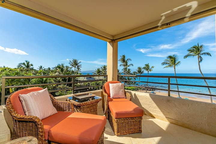Custom Designed Beachfront+Ocean View Condo. 402!