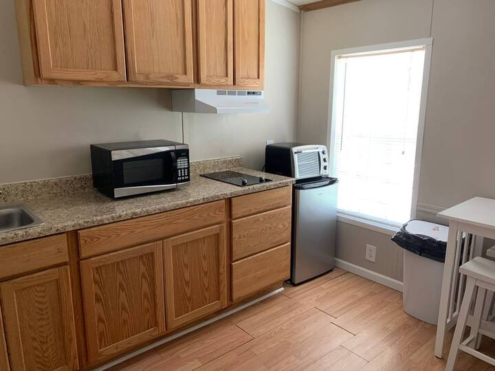 Duplex Studio w/ Kitchen & Laundry