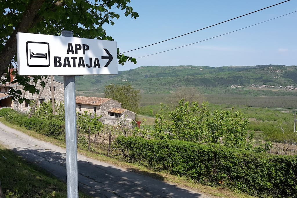 Road mark of the appartment
