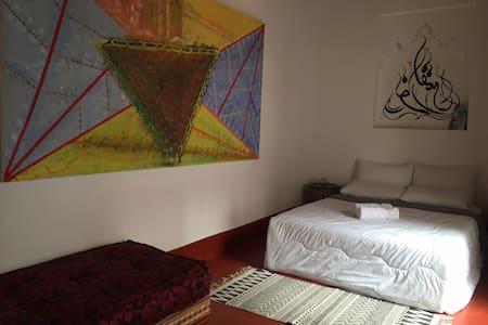 The Blank Canvas Evolving Artspace3 - Marrakech Médina. - House