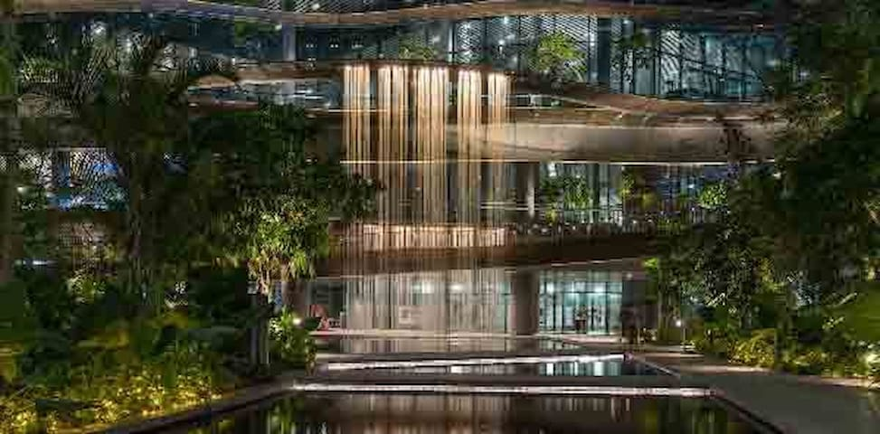 Luxurious Stay next to Marina Bay Sands!