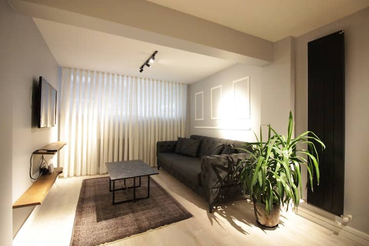 Renewed Modern 1BR Flat on the Focal Point of Moda