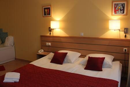 Hotel Ljubljana Resort-triple room - Lubiana - Bed & Breakfast