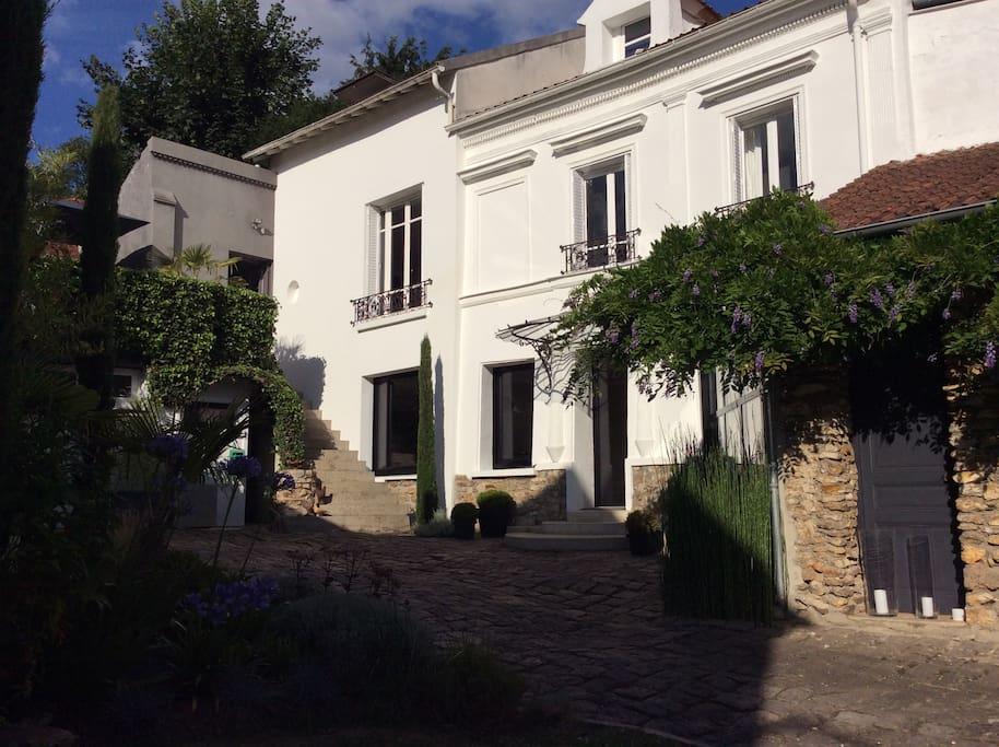 Maison atypique proche paris houses for rent in saint prix le de france france - Maison prefabriquee france prix ...
