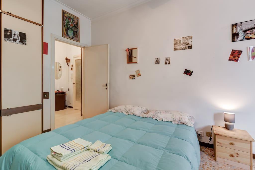 Spacious room (2)