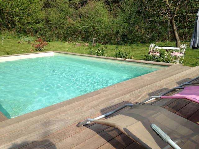 90m²,tout confort,au calme ,piscine chauffée - La Grand-Combe - Apartmen