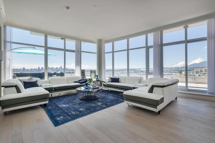 Waterfront Penthouse 3 bed 3 bath Huge Patios View