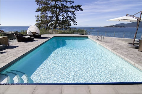 Luxury Oceanfront Mansion Sleeps 14