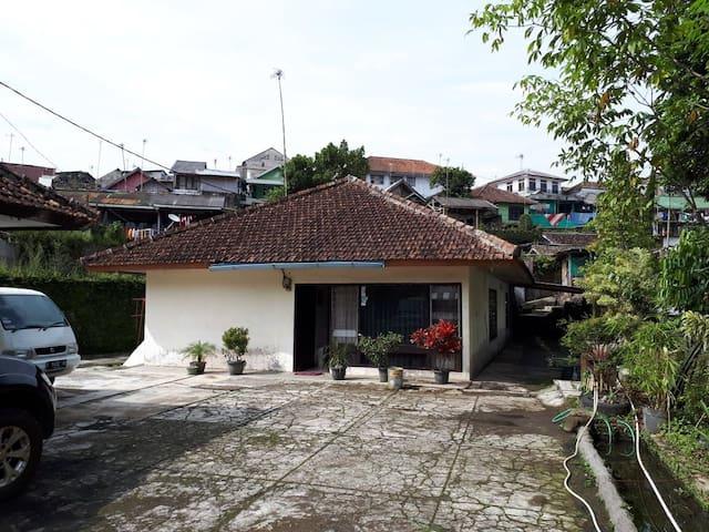 Villa Litra 2 (Family Only)