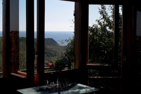 Casetta mediterranea, seaview 1km - Orosei