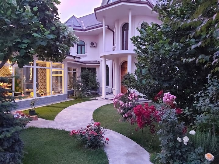 Villa Roses