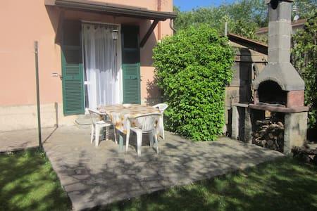 Cà di Boschetti Old Farm (f) - La Spezia