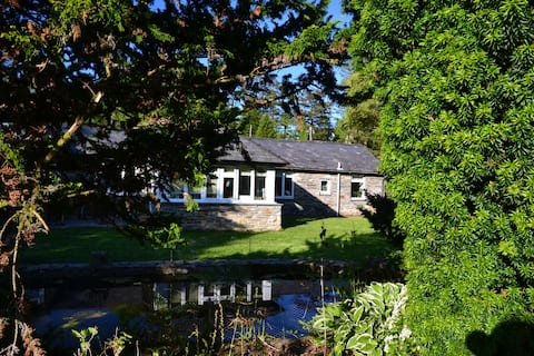 Bespoke BnB in stunning gardens with dramatic view