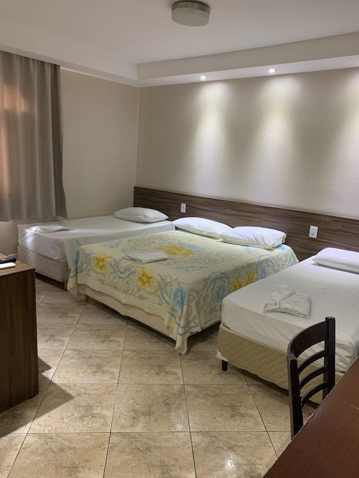 Apartamento 01 em Hotel.