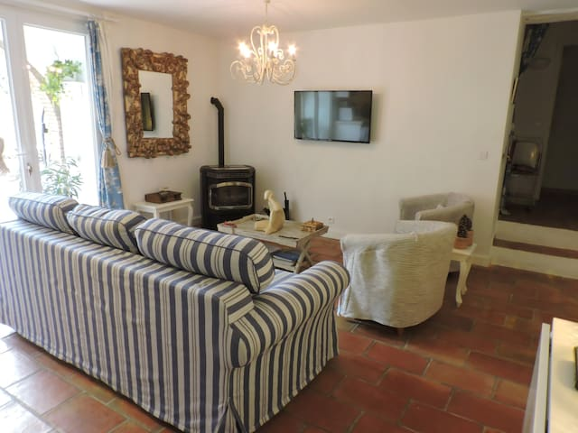 Two bed house with garden in La Garde Freinet.