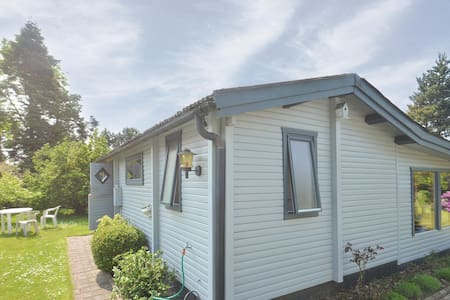 Holiday cottage with 3 bedrooms on 49m² in Idestrup