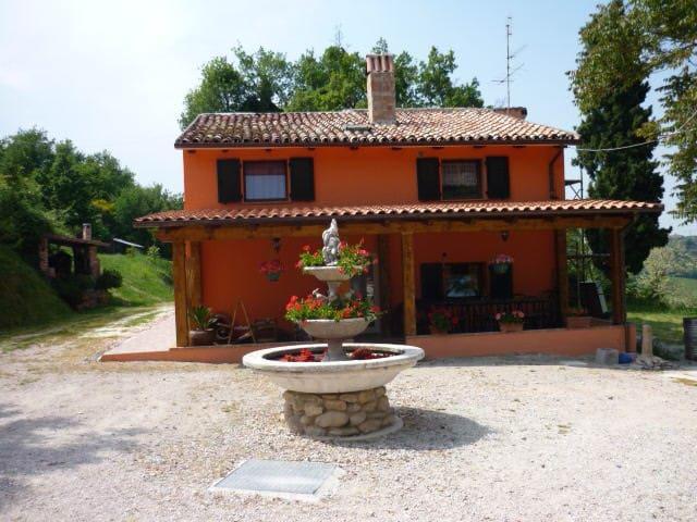val migi - Monteciccardo - Villa