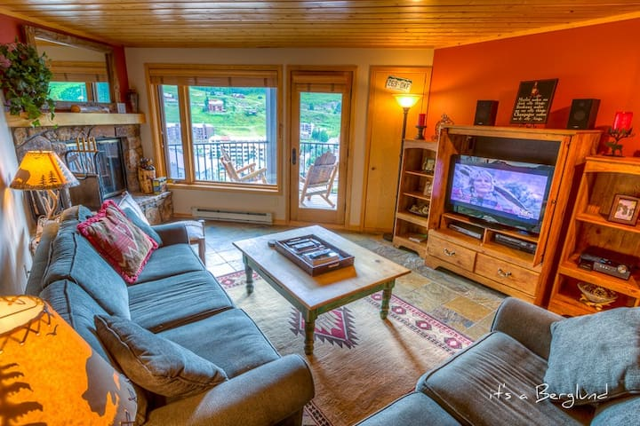 Beautiful Views, Ski Locker at Base - Crested Butte - Apartment