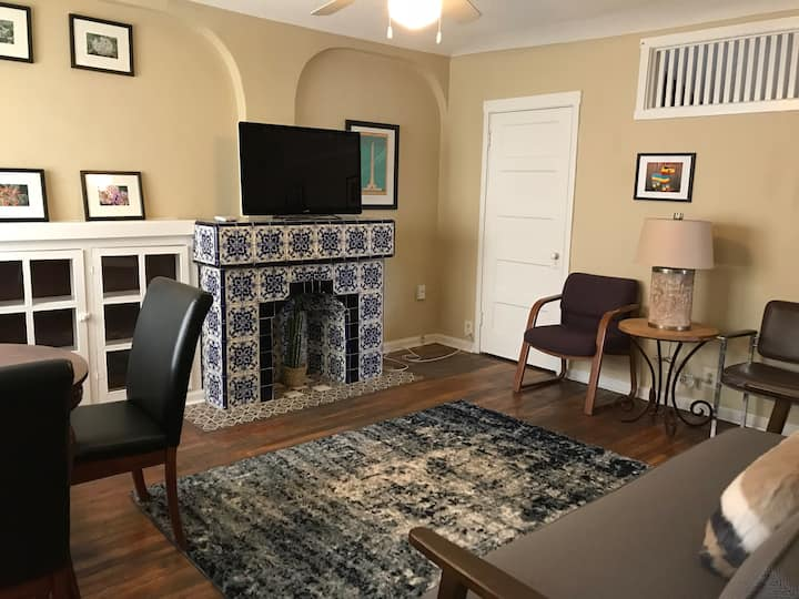 Charming Carriage House in a Prime Location