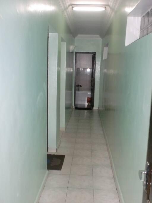 Chambre + Cuisine + Toilette dans un appartement complètement indépendant