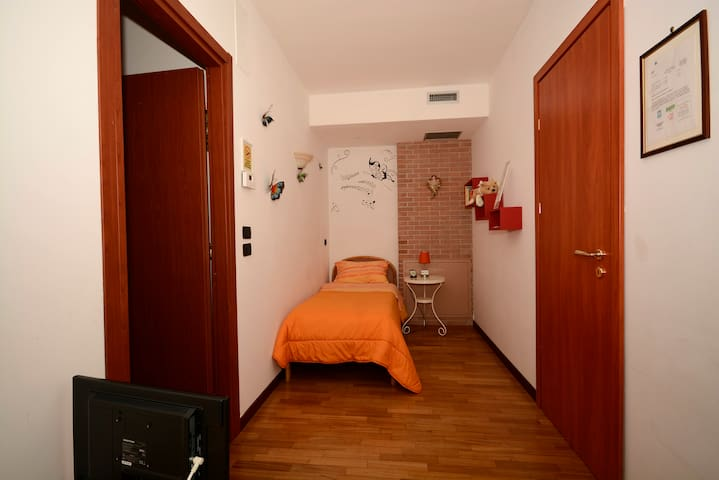 Camera SIBILLA comoda & tranquilla - Collecorvino - Bed & Breakfast