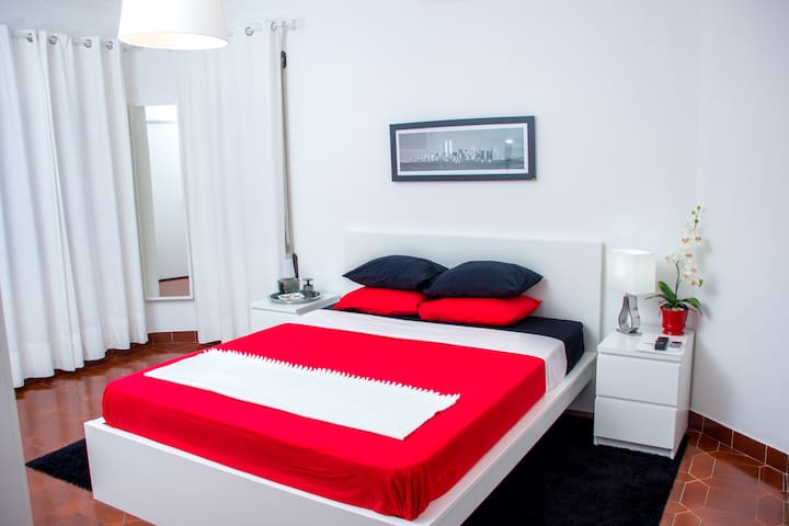 GUEST HOUSE ESPLANADA - Castelo Branco - Bed & Breakfast