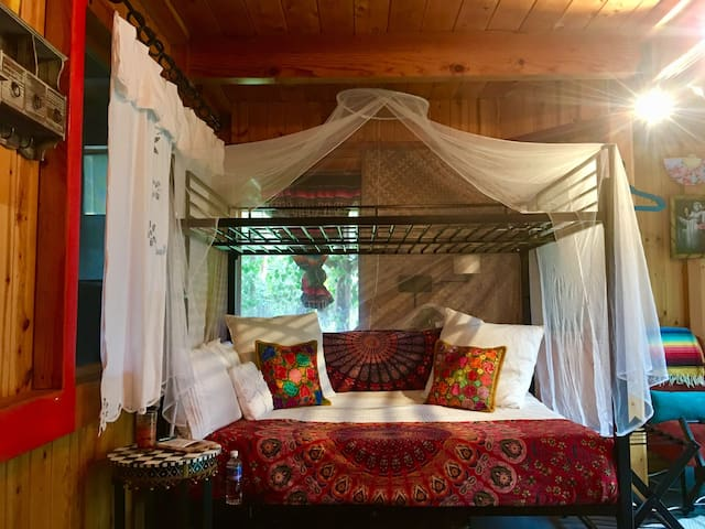 ~Casa by the Sea~Jungle views. Relax in Paradise