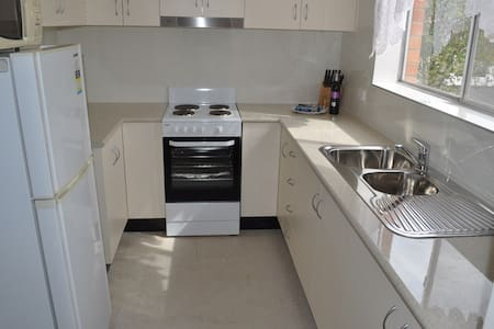 FULLY FURNISHED UNIT IN PENRITH - Penrith