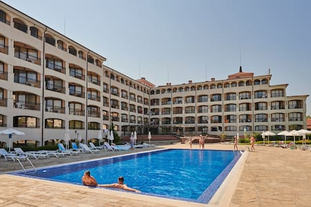 Apartment in aparthotel Regina Mare - Tsarevo