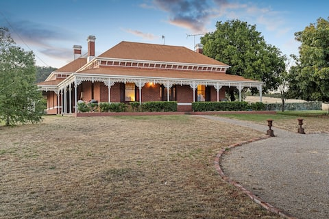 Lawford Homestead Bed and Breakfast